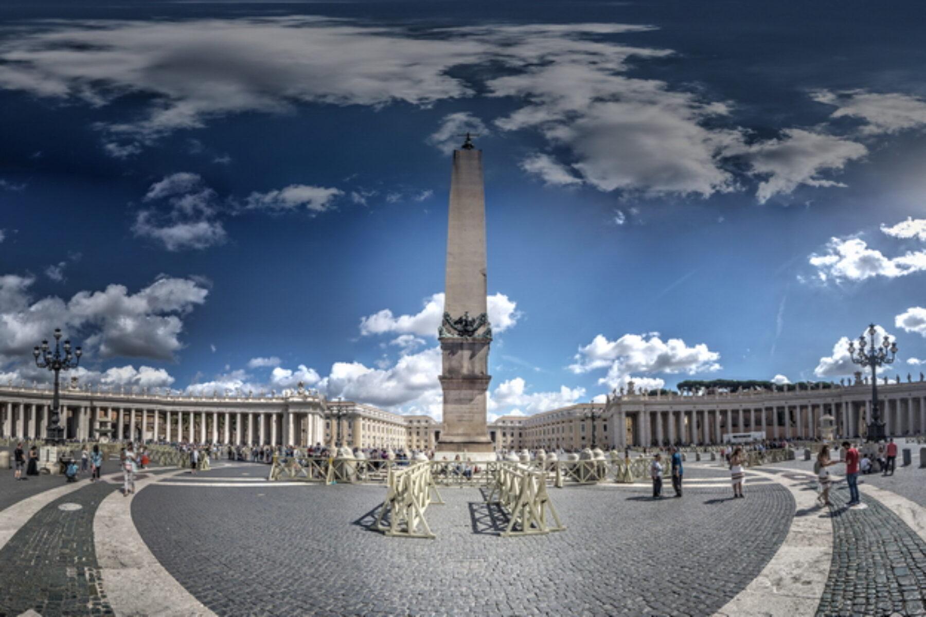 La place Saint-Pierre en réalité virtuelle ( 360° )