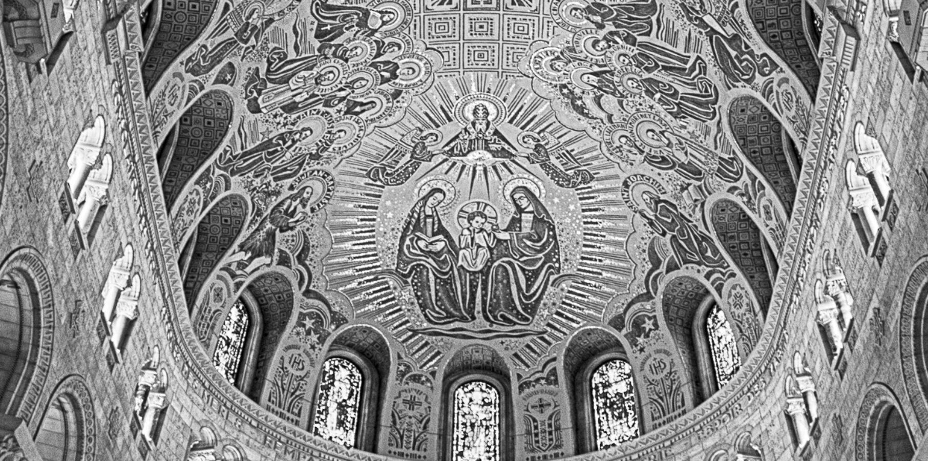 Le plafond de Ste-Anne-de-Beaupré pris en NetB